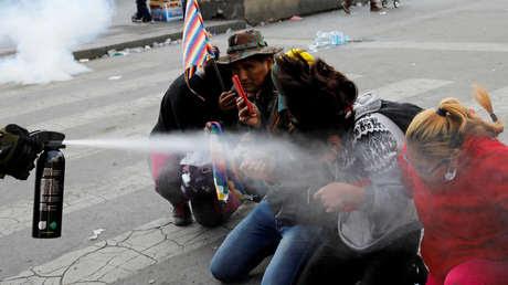 Marchan con ataúdes de cinco personas fallecidas tras la brutal represión en Bolivia