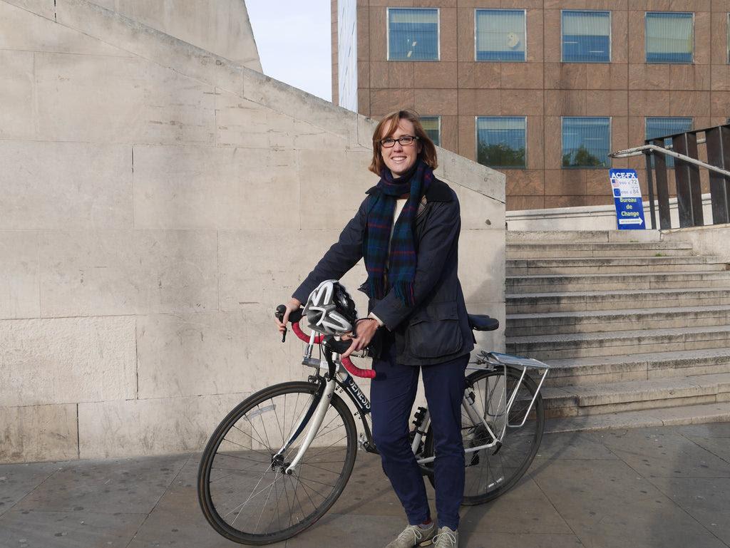 frances grier and her bike at london bridge