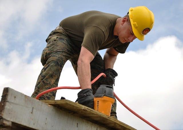 worker-635755_640