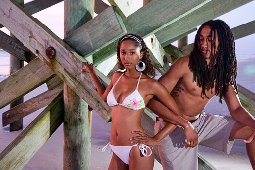 Jamaican-Couple-Under-Dock-178514800.jpg