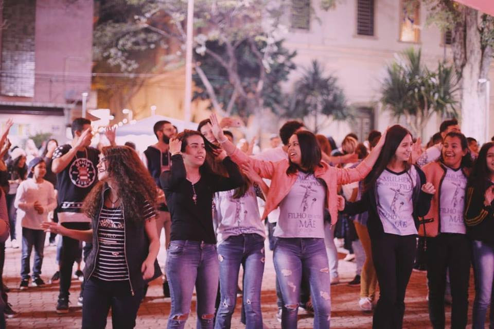 400 pessoas participaram, em Tatui, do '1º Luau da Juventude'
