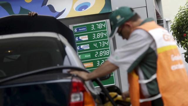 Decreto de Bolsonaro obriga postos a informar composição do preço de combustíveis