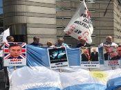 El reclamo de soberanía sobre las Islas Malvinas que tiene nuestro país, desde 1833, es avasallado por la posesión colonial de Gran Bretaña.