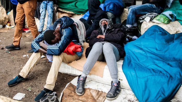 164 cas de gale dans un camp de migrants parisien