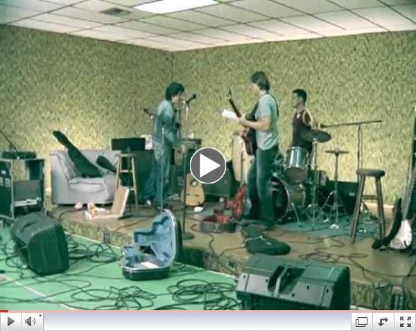 Bacilos - Mi Primer Millon (Official Music Video)