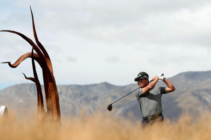 Golf K.J.'s way