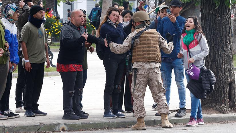 """""""El Ejército no les va a hacer nada"""": se viraliza el video de un soldado de Chile que se solidariza con manifestantes"""