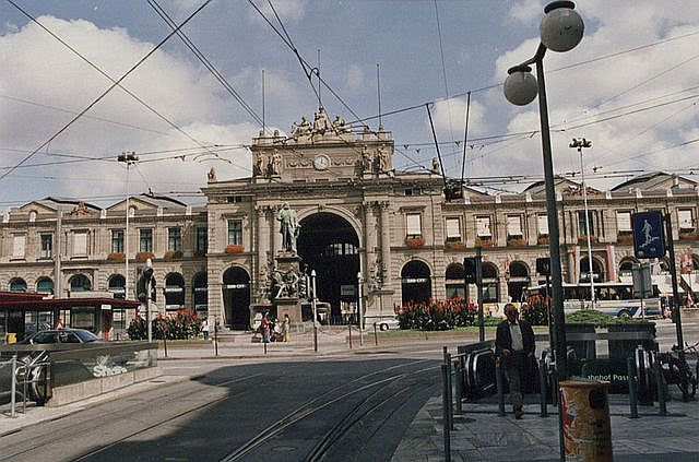 Zurich main station (railways) with Station Square and Alfred Escher monument from Station Road in 2001