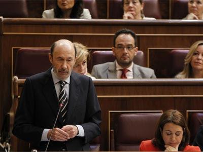 Rubalcaba, en el Congreso, junto a otros miembros del Grupo Socialista.