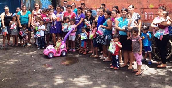 http://www.accionverapaz.org/images/accionverapaz/proyectos/emergencia_nicaragua/Emergencia%20Nicaragua%201.jpg