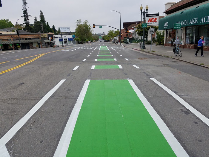 grand_ave-green_bike_lane.jpg