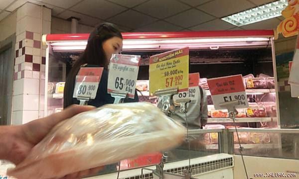 Gà dai được bán tại siêu thị BigC