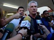 El mandatario llegó a ejercer su voto en compañía de su familia. También ya participaron del proceso electoral el canciller cubano, Bruno Rodríguez; y el vicepresidente de Cuba, Salvador Valdés.