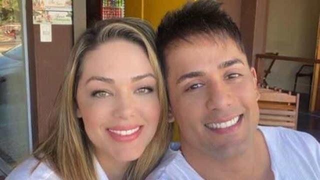Cantor Tiago diz que cirurgia peniana motivou fim de relação com Tânia Mara