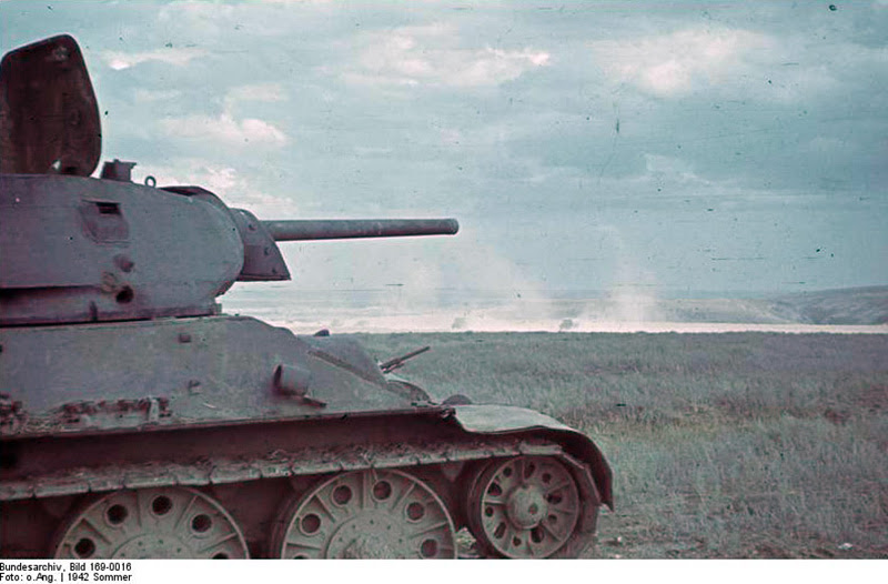 File:Bundesarchiv Bild 169-0016, Sowjetischer Panzer T-34.jpg