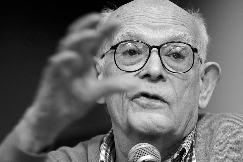 Miguel Soler durante el homenaje a Julio Castro, ayer, en la Cooperativa Magisterial. Foto: Pablo Vignali