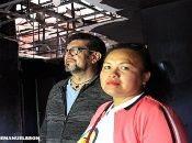 Denis Schwartz Galo, director de la radio y Arlen Hernández, periodista y reportera en lo que queda de la quemada y destruida Tu Nueva Radio Ya.