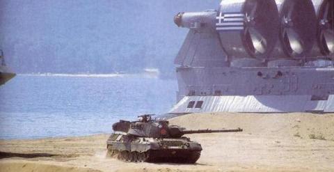 Leopard griego frente a Overcraft