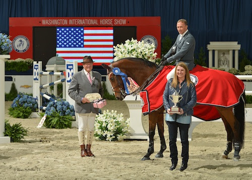 Todd MInikus and Quality Girl in their winning presentation