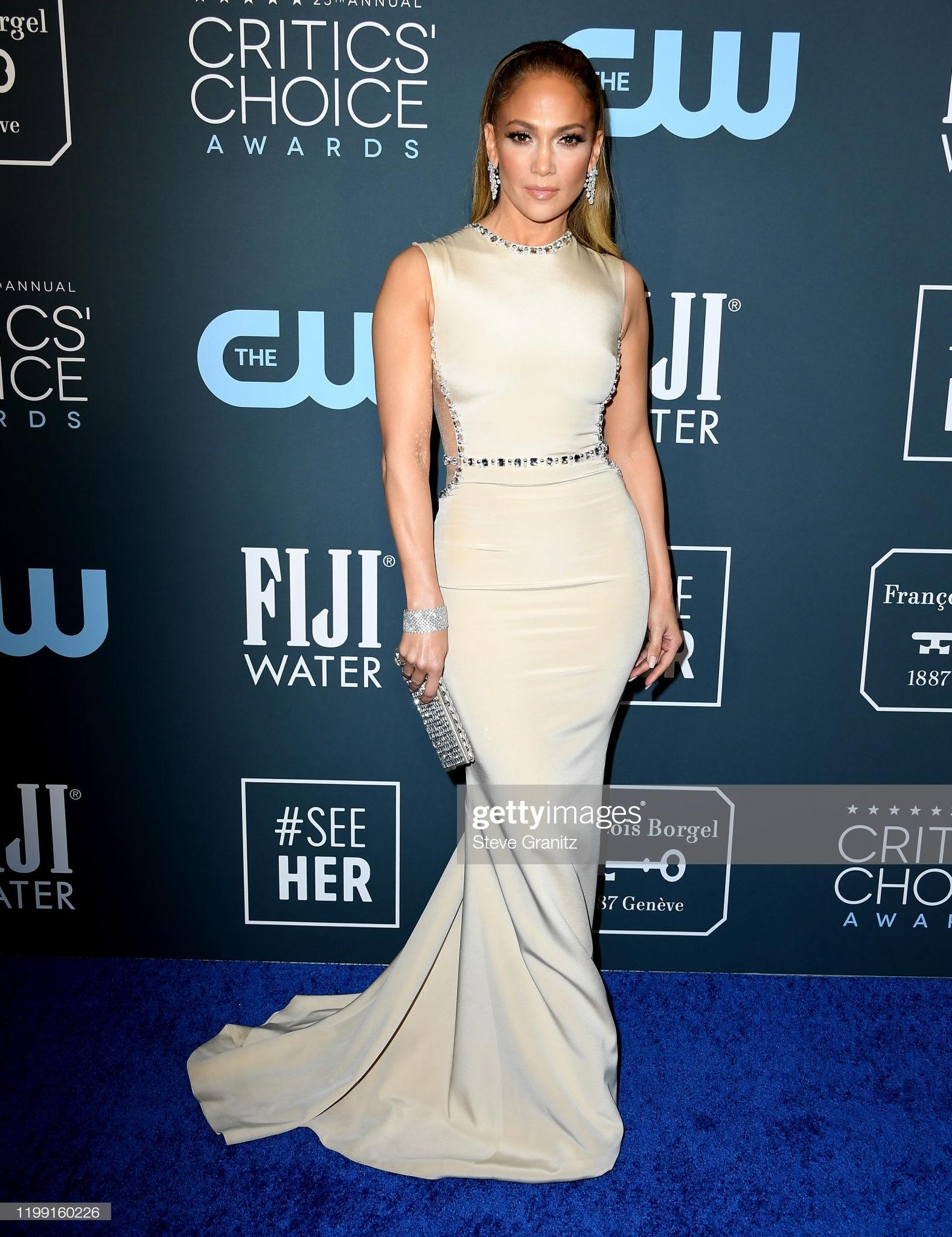 134fcd4a d7a7 4b56 aa8c 123d2769592b - Jennifer Lopez y Emily,entre las celebrities que apostaron por Jimmy Choo en los Critics' Choice Awards