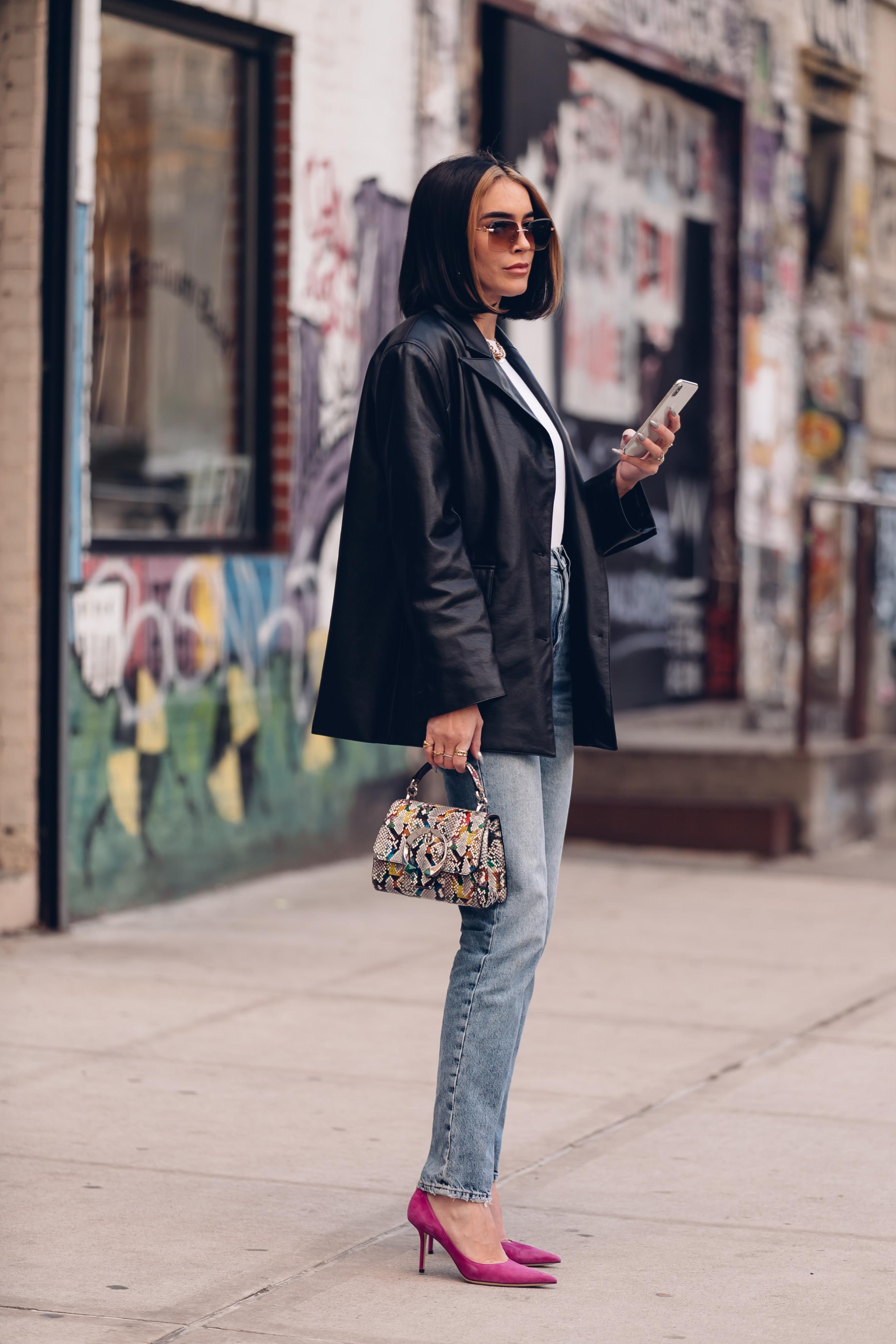 4e2415b1 862c 41a8 ac50 db7b8e84464a - Las influencers que apostaron por Jimmy Choo durante la New York  Fashion Week