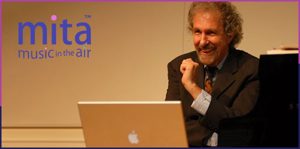 Prof. Robert Winter, MITA's co-founder and principal author, using MITA during a lecture