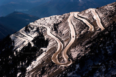 Tawang-The-looping-road-from-Sela-Pass-Arunachal-Pradesh-India