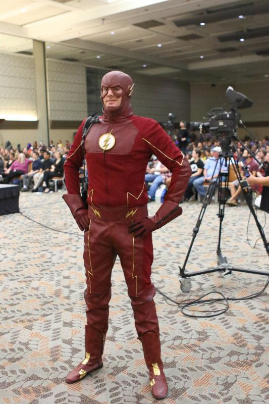 Jeff Ludthe of Capt. Shanks Cosplay as The Flash