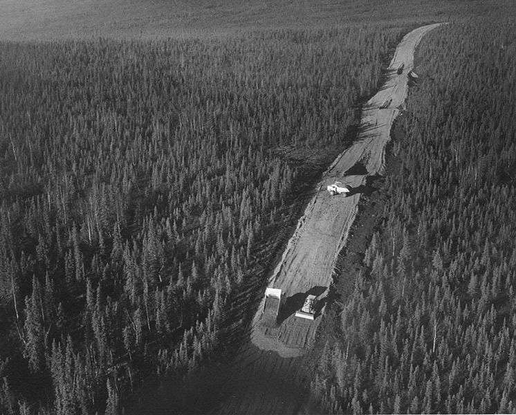 File:Alaska pipeline road construction 1969 FWS.jpg