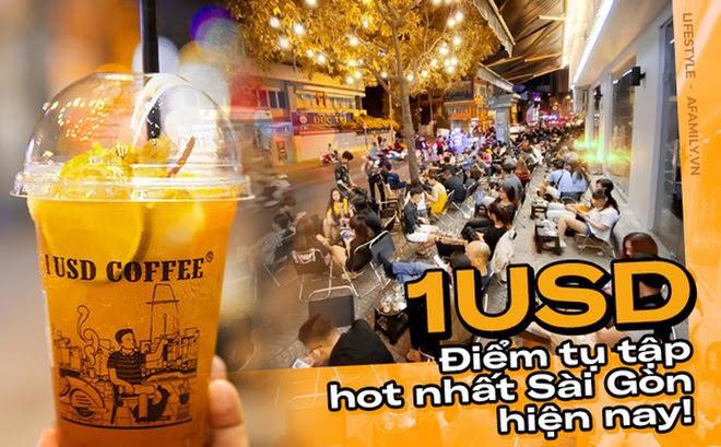 """Quán cà phê """"1 đô"""" lề đường bỗng nhiên trở thành cơn sốt ở Sài Gòn, mỗi đêm có hàng trăm người kéo tới ngồi """"xếp lớp"""" dài cả chục mét"""