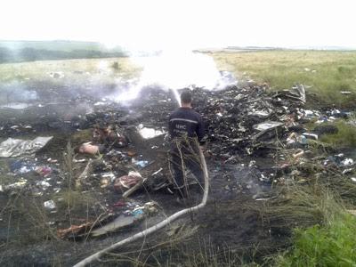 Restos del avión malasio siniestrado en Ucrania.