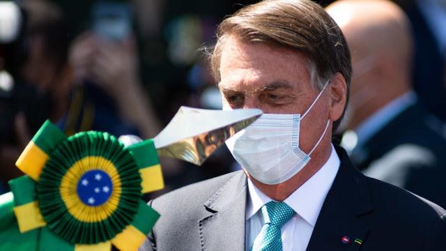 'Exército nunca faltará ao seu povo', diz Bolsonaro