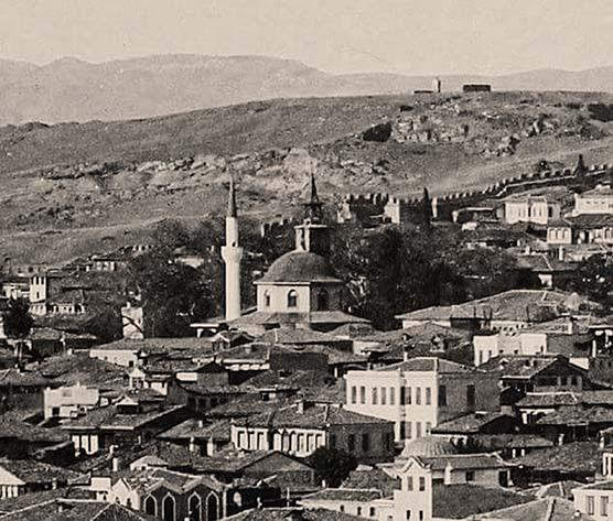 Σαατλί τζαμί δίπλα το παλιό Κονάκι το νέο θα χτιστεί σε τρία χρόνια