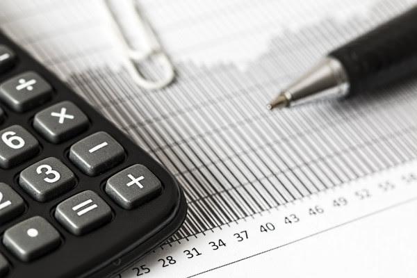 Φορολογικές δηλώσεις: Ποιοι και γιατί θα πληρώσουν περισσότερο φόρο - Οι παγίδες και οι ανατροπές