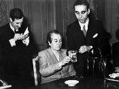 La poetisa chilena no solo destacó en el mundo de las letras, sino también fue maestra y diplomática.