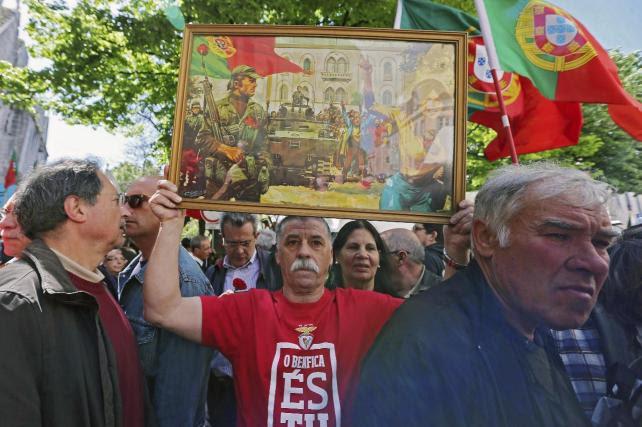 Portugal celebra, dividido, el 40 aniversario de su Revolución