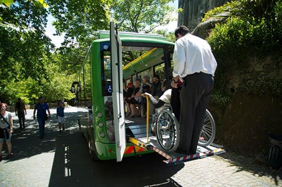 Veículos híbridos acessíveis fazem o percurso da entrada do Parque até ao Palácio da Pena