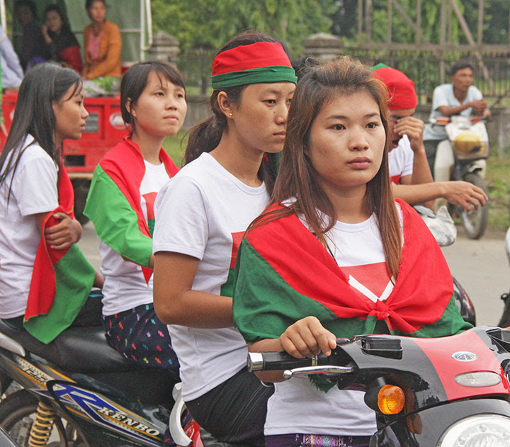 Ethnic Kachin youths gathered to greet Kachin leaders in Myitkyina, the Kachin state capital, in 2013. (Morning Star News)