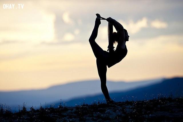 Bước 7: Yoga có thể giúp tập trung và làm đầu óc bình tĩnh hơn. ,kiểm soát sự tức giận