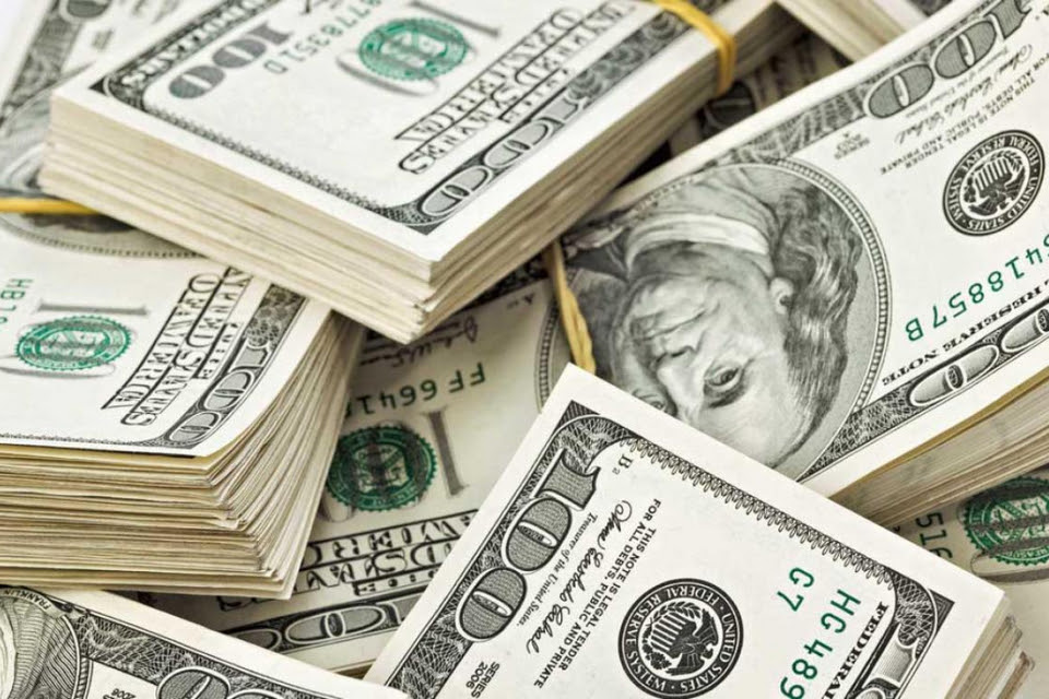 El 40 por ciento de la deuda externa de los países emergentes enfrenta riesgo de incumplimiento el próximo año.