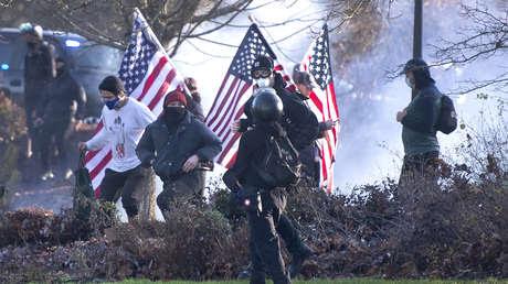 Hieren de bala a una persona durante violentos disturbios en el estado de Washington (VIDEOS)