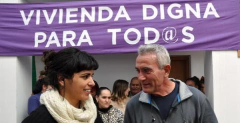 La eurodiputada de Podemos Teresa Rodríguez, junto a Diego Cañamero. -EFE