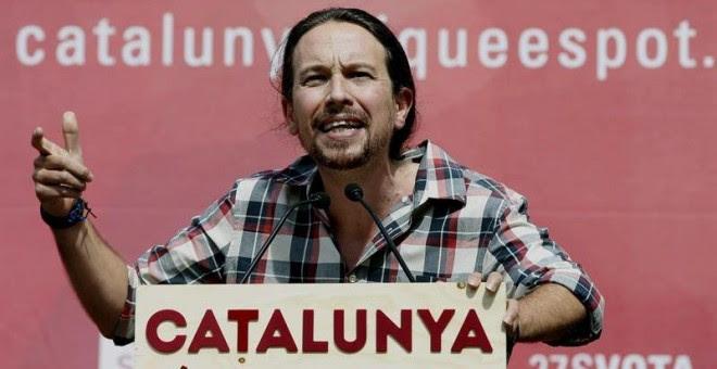El secretario general de Podemos, Pablo Iglesias, durante su participación en un acto de campaña de la candidatura Catalunya Sí que es Pot celebrado hoy en la Rambla del Carmel en Barcelona. EFE/Andreu Dalmau