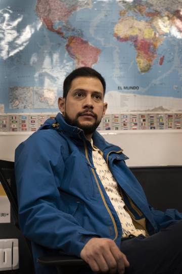 Daniel Pérez, un ingeniero biomédico, ha dormido en la calle y en una iglesia en su primer mes y medio en Madrid.