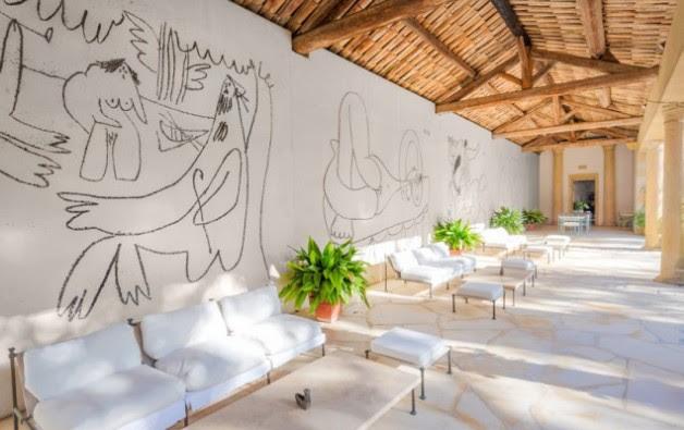 Immagine  - Una delle pareti di questa casa vale più dell'intero immobile: l'ha dipinta Picasso