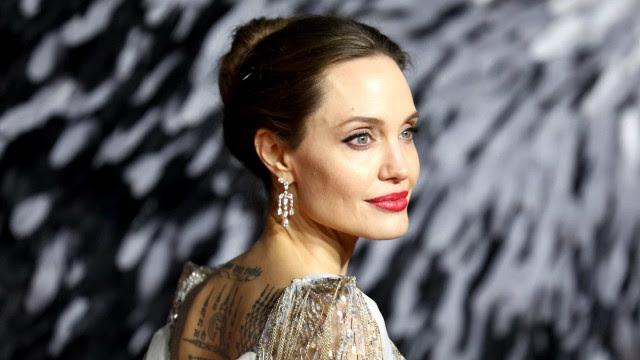 Angelina Jolie pede atenção a possíveis abusos a crianças na quarentena