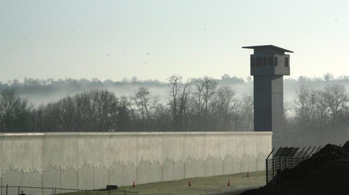 ENQUÊTE FRANCEINFO. Pourquoi certaines communes rêvent d'accueillir une prison (et d'autres en font des cauchemars)
