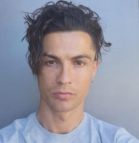 Cristiano Ronaldo shows off his new look