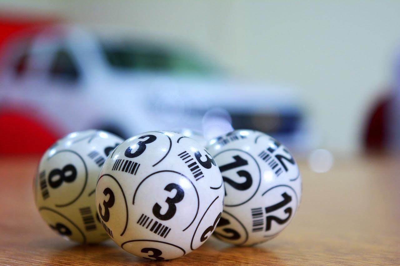 lottery-3846567_1280.jpg