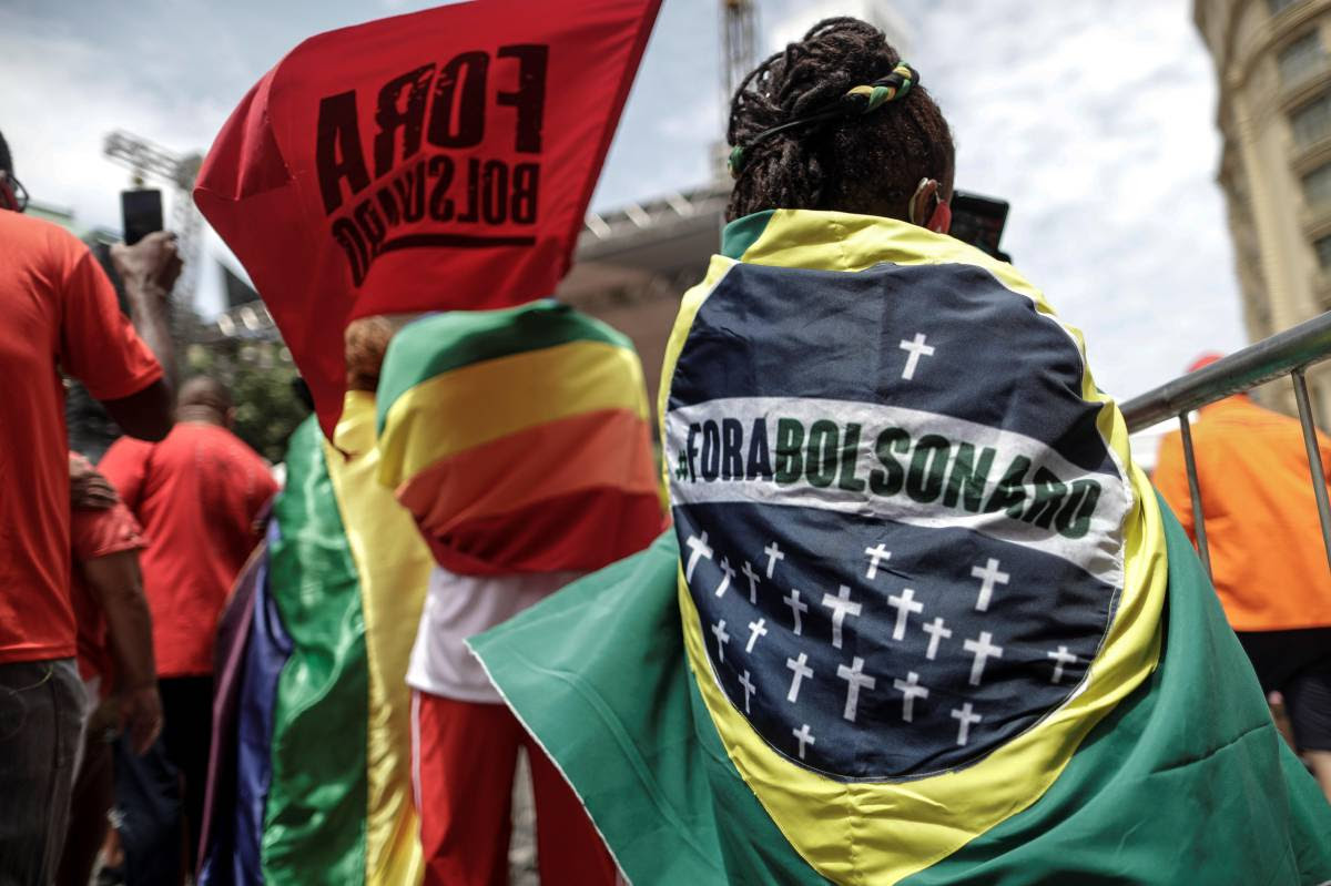 Frente contra Bolsonaro se fortalece no palanque, mas não amplia adesão